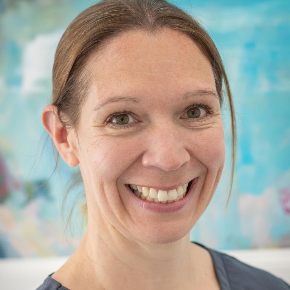 Gill Kemp - Dentist