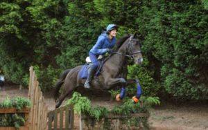 Sarisa-Martin-Dentist-horse-Riding-3